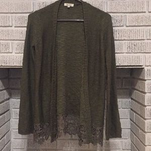 Cute Dark Green Sweater size XS Great Condition!